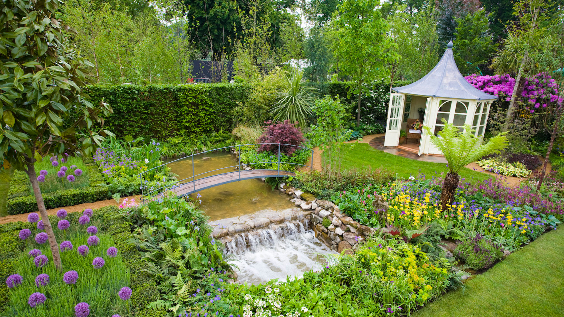 Tim austen garden designs designer gardens for Garden designs images pictures