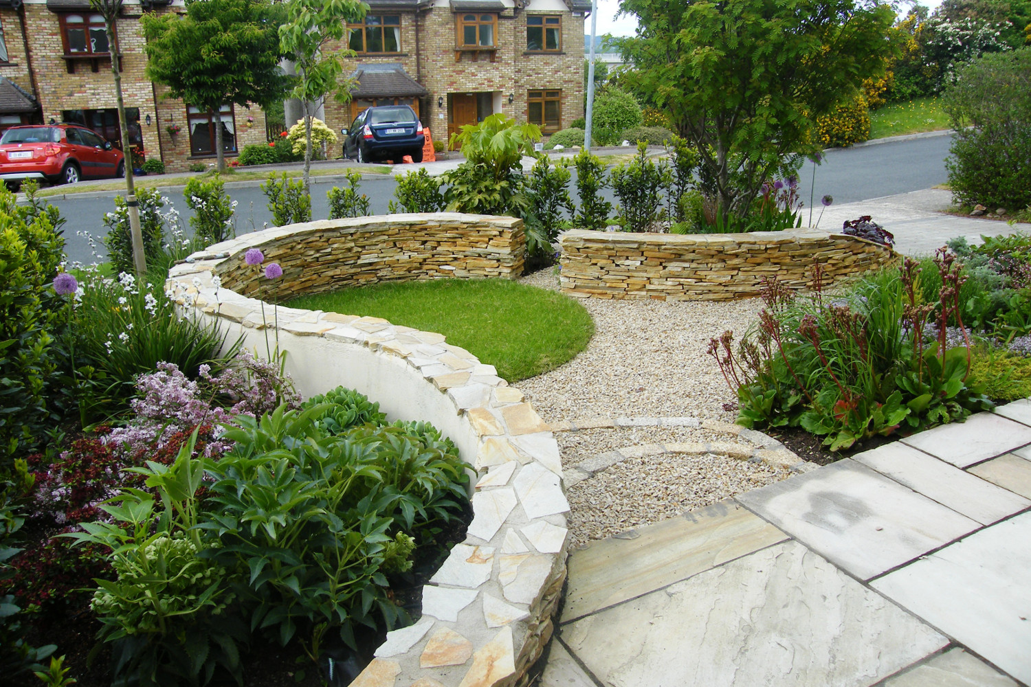 Fashionable front garden in Wicklow Tim Austen Garden Designs