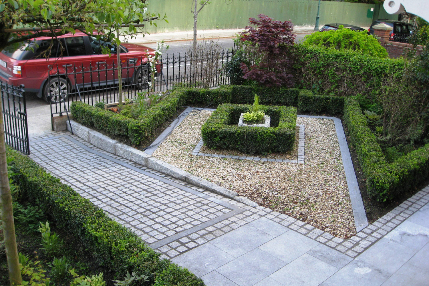 Smart welcome garden in Ranelagh, Dublin City - Tim Austen ...
